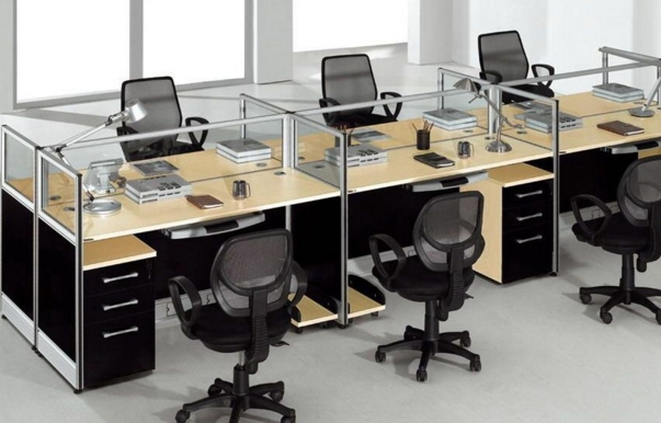 四通搬家:企业搬迁办公桌摆放风水学,办公桌摆放原则及禁忌图片
